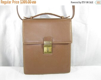 15% SUMMER SALE Genuine vintage GUCCI tan leather top handle bag with shoulder strap camera