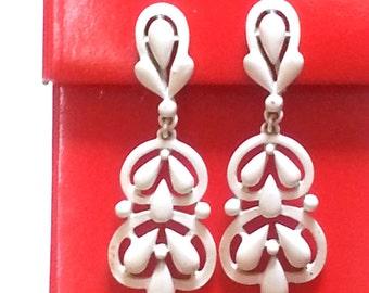 White Enamel Drop Clip-On Earrings Signed by Monet 60s Vintage  RD157 JBX1A5 DeAnnasAttic