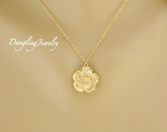 GOLD Magnolia Necklace, Flower Necklace, Mother Jewelry, Mother Necklace, Wedding Jewelry, Bridesmaid Necklace, Christmas Gift for Her