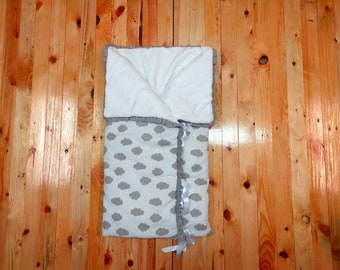 Baby nest convertible in blanket, Clouds sleeping bag, Clouds baby sack, Baby cuddle blanket, Baby snuggle blanket, Clouds baby blanket