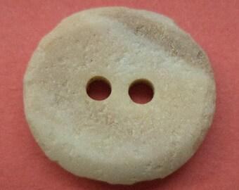 11 buttons beige 16 x 18mm (1922) button