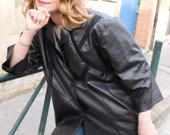 Vintage leather Coat , Black trench coat , Size medium