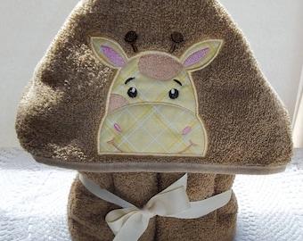 April baby GIRAFFE, hooded towel peeker, Giraffe towel, hooded towel, African wildlife, kids towel