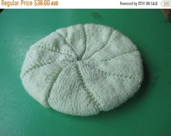 ON SALE Handmade Knitted Pale Green Beret for a Women in super soft Pingouin Confort wool blend