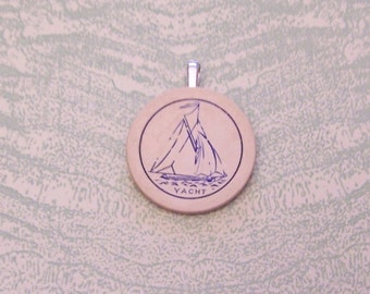 Vintage yacht sailing boat nautical poker chip pendant necklace jewelry
