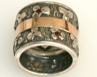 Garnet Gemstone Ring, Silver Ring,  14K Gold Inner Band, Oxidized and Engraved Flower Pattern