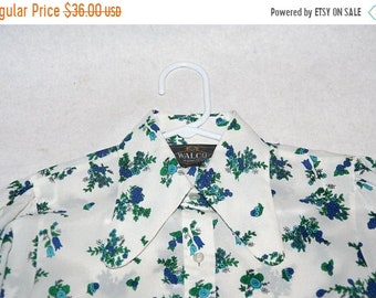 Moving Sale Sweet 70's Poly Floral Blouse with Butterfly Collar- Size S