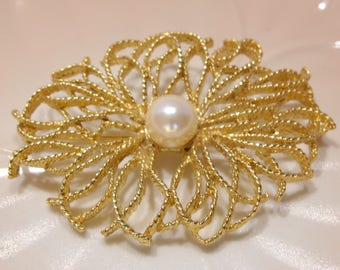 Large Gold Tone Filigree Brooch With Large Center Faux Pearl Unsigned Quality Costume Jewelry Great Mother's Day Gift