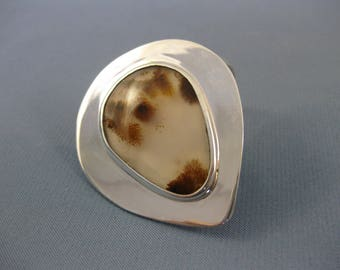 Heavy sterling silver ring with Agate .
