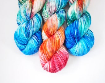 Everyone in the Pool | Sock | BFL nylon sock | teal green | blue | speckledyarn | speckled high twist | sock yarn shops