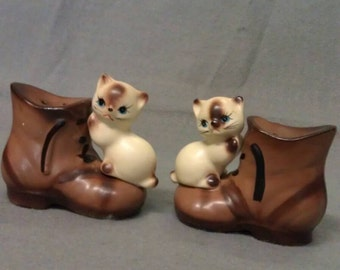 Lego Fine Quality Siamese Look Cats on Boots with Blue Eyes Salt and Pepper Shaker Set