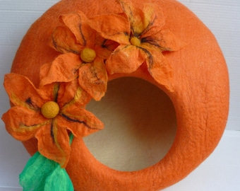 """Felted Cat Bed / Cat Cave / Cat Den / Cat House/  Cocoon """"Orange Lily"""""""