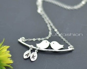 mothers necklace, personalized silver necklace, custom initial kissing birds necklace, baby shower gift idea, gift for best friends