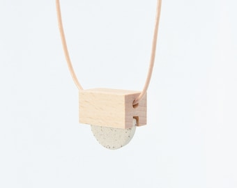 STUDY n.5 // Speckled stoneware and wood necklace