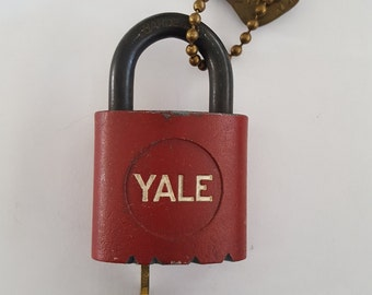 Vintage Yale And Towne Co. padlock, red body with some scratches, has 3 keys