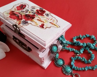 Valentaine's day box, Red Poppy Art, Handmade Jewelry Box, Box for her, Spouse gift, Keepsake box, Shabby Chic, Love Quote, Wedding red box