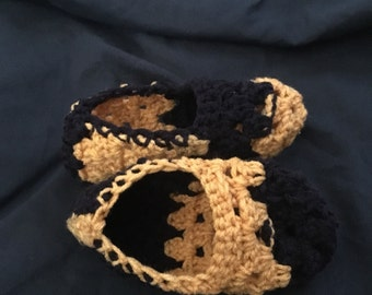 Kids size 6 slippers