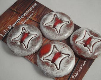 Card of 4 buttons in ceramic fact-hand : white red/, 3 cm