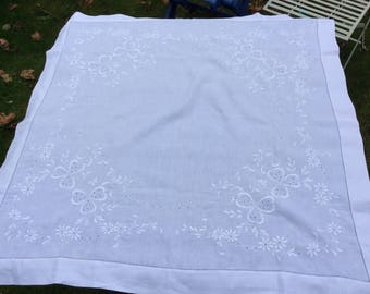 Pretty Cotton Tablecloth Broidery Anglais