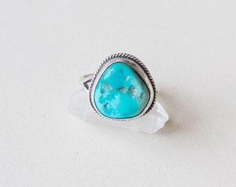 VC-195 vintage Native American sterling silver and turquoise ring