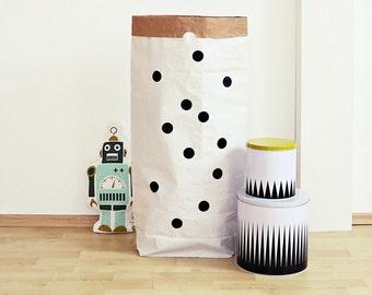 Paper bag, Paperbag, paper bag, black dots, circles, dots, label, storage, box, box, toy box, nursery, punnets