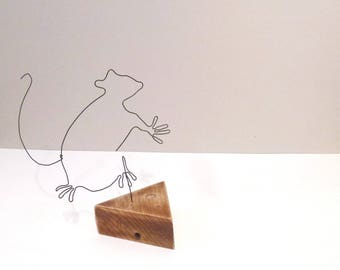 Mouse and cheese in wire and wood
