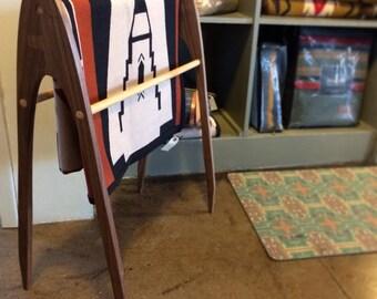 Burt - Blanket rack