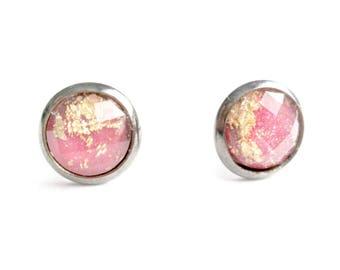 Pretty Pink Gold Leaf 8mm Stud Earrings / Gold Leaf Earrings / Glitter Earrings / Pink Earrings / Hot Pink Faceted Earrings / Prom Earrings