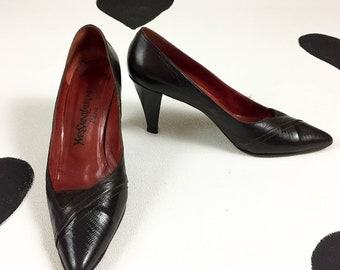 80's Yves Saint Laurent Paris leather high heels pumps / 1980's avant garde designer YSL shoes / Made in Italy / classic / size 9 1/2 40 9.5