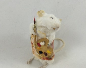 Taxidermy Artist Mouse Painter-Anthropomorphic Taxidermy