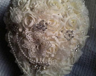 Brooch bridal ivory teardrop bouquet