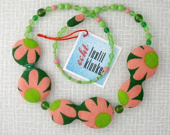 green floral 70s fabric necklace