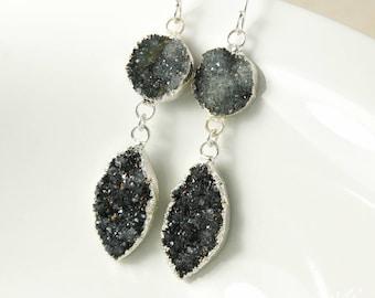 50 % de réduction vente - Smokey gris argent & noir Geode feuille boucles d'oreilles - Boucles d'oreilles Druzy noirs