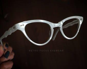 50's French NOS CatEye White Pearl Average SLightly wide Cat Eye Glasses Eyewear Eyeglass Frames Made in France