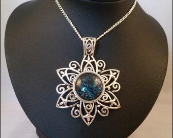Necklace mystic flower