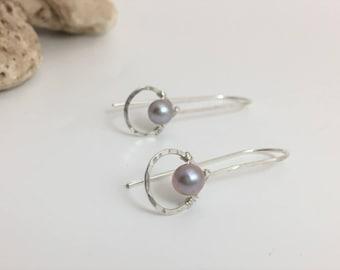 Silver Hammered Teardrop & Silver Pearl Threader Earrings. (E430SS-SP) wire jewelry by cristysjewelry on etsy