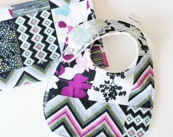 Baby Girl-Geschenk Set Lätzchen und rülpsen Tuch moderne Patchwork-Print im Alter