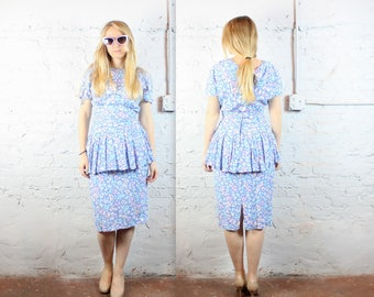 1980's Pastel Wiggle Party Dress with Tiered Skirt in Women's Small or Medium . 80s Neon Day Glo Retro Cocktail Dress . Cyndi Lauper Inspo