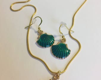 Turqoise seashell gold necklace and earrings set