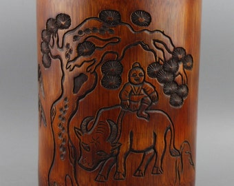 Very Beautiful Chinese Hand Carved Bamboo Brush Pot.