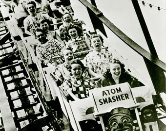 Photo of the Atom Smasher at Rockaways Playland, roller coaster