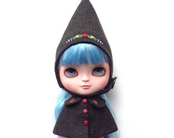 Blythe tweed set cloak and gnome hat