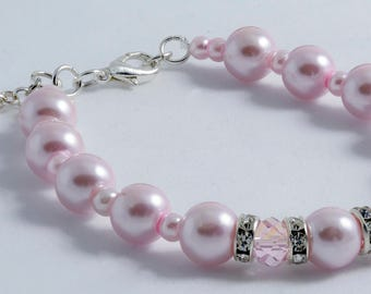 Glass Pearls and Crystals bracelet - light pink