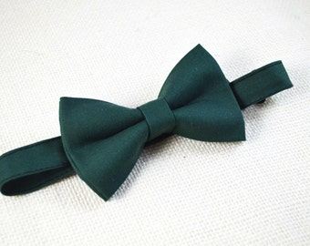 Hunter Green  bow tie, baby bow tie, boys bow tie ,adult bow tie,groomsmen bow tie, men's bow tie, dark green bow tie, green bow tie