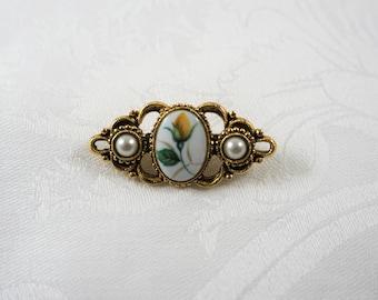 Gold Tone Flower Vintage Brooch Pin