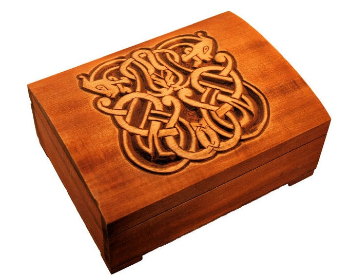 Wooden historical jewelry box with Urnes Dragons, Gotland (Sweden)
