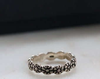 Sterling Silver Floral Band Ring - Size 9 Ring For Her - Sterling Flower Band Ring