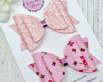 Pink Floral Hair Bow Set, Medium Size Baby Pink Bow, Pink Dolly Bow, Peach Hair Bow, Pretty Bow headband, Pink Toddler Bow, Floral Design