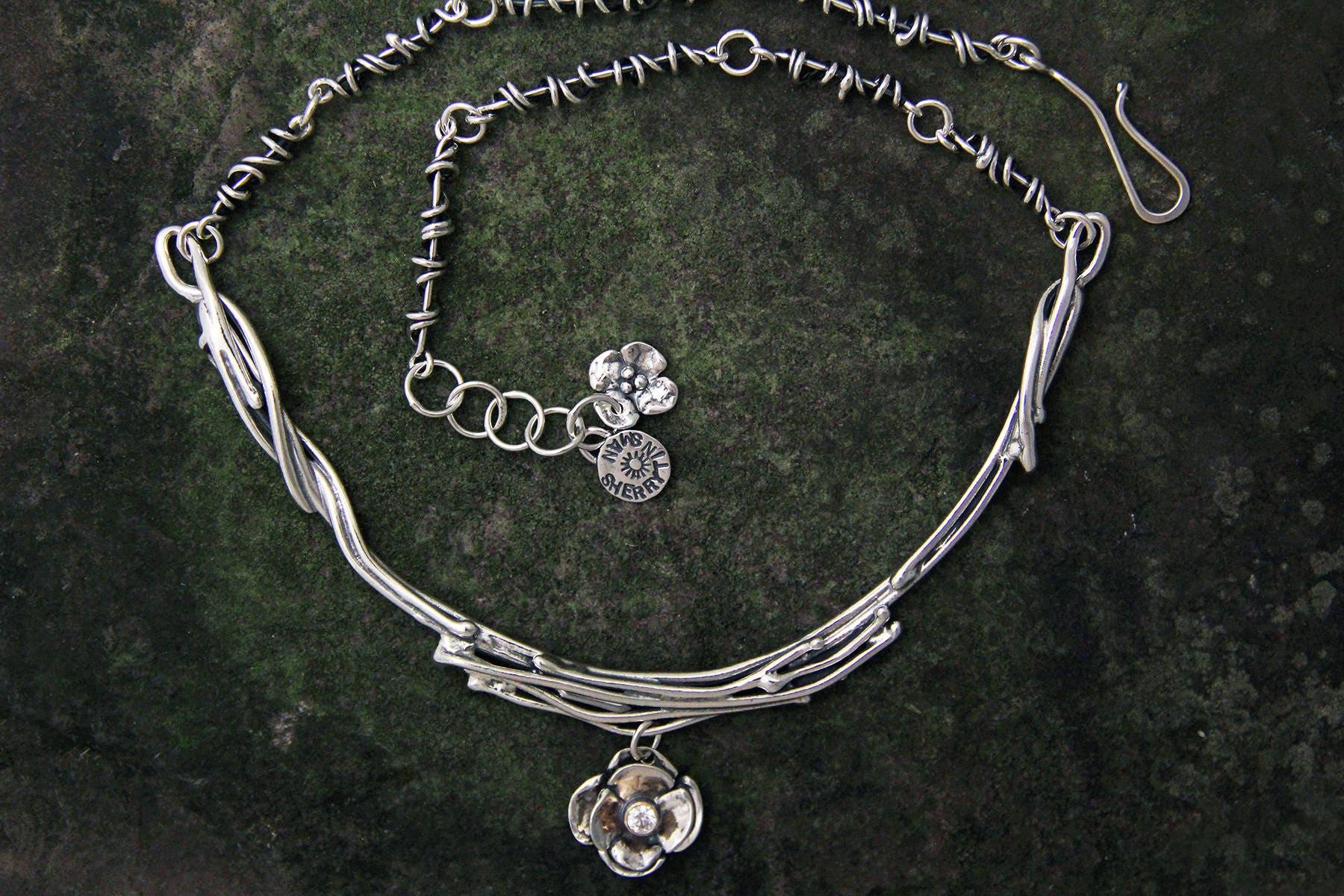 Sterling Silber Halsring mit Hartriegel Blüte baumeln und CZ