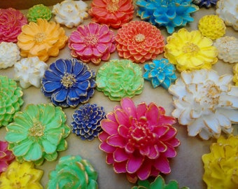 12 Edible icing flowers, Easter birthday, retirement, cake topper